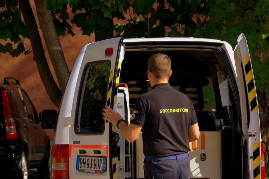 ביטוח אחריות מקצועית לחברות אמבולנס ולמוקדים טלפוניים 